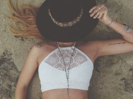 umc2yh-l-610x610-shirt-beach-tumblr-help+girl-dashboard-crochet-fashion-cropped-crochet+crop-hat-jewels--ring-necklace-sliver-jewelry-2