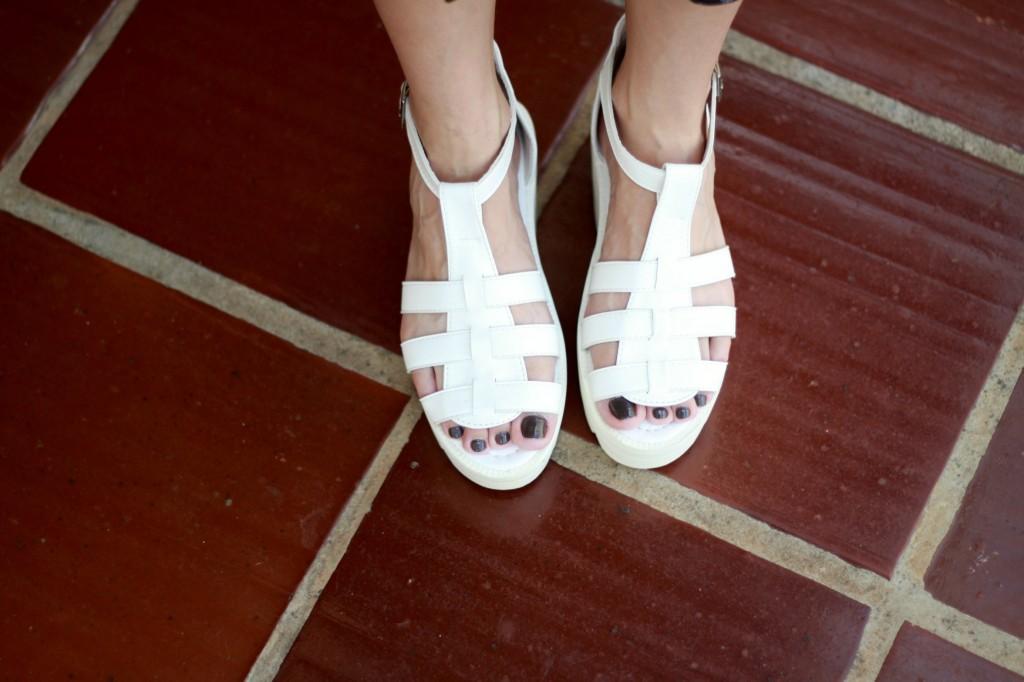 flat form sandal 2